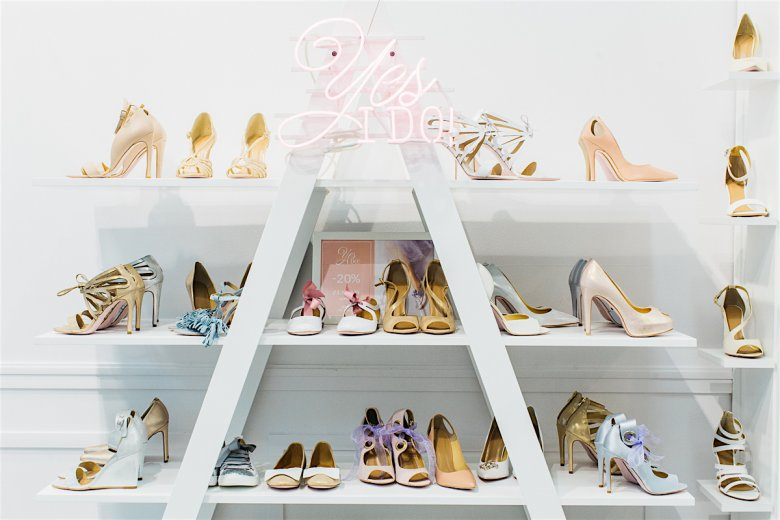 Kolekcję Yes I DO, nowej, ślubnej marki dziewczyn z Loft37 można znaleźć w butikach Loftu (w Warszawie Mokotowska 51 i Galeria Mokotów), a także w wybranych salonach z sukniami ślubnymi.