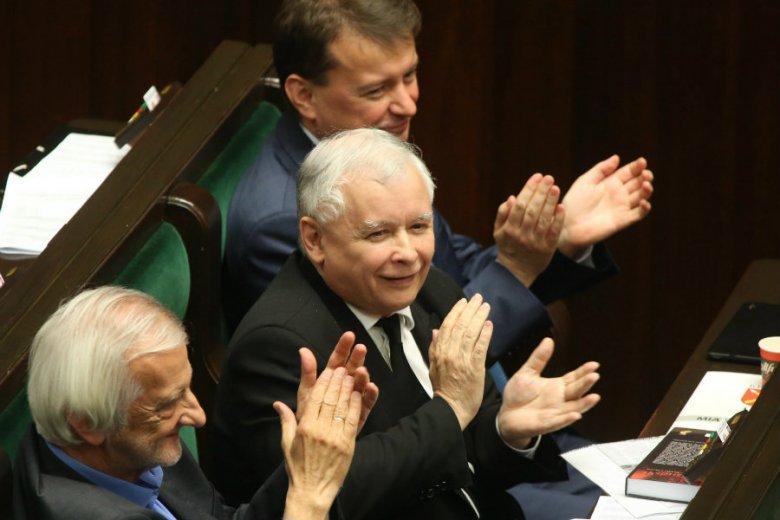 """BBC opublikowała materiał o Polsce w paśmie """"Newsnight"""", w którym nazywa sytuację w naszym kraju pełzającym autorytaryzmem."""