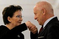 Niesiołowski o aferze meblowej: Wygląda to na kłamstwo. Jeździłem z panią Kopacz, siadała przy normalnym stole