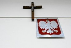 W Radomiu wybuchł spór o krzyże wiszące w policyjnych komisariatach.
