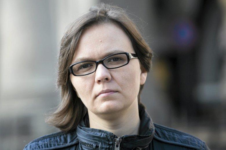 """Mirka Makuchowska, wiceprezeska KPH, protestuje przeciwko nazywaniu dyskusji o związkach partnerskich """"papierowymi emocjami"""". Takiego określenia użył Grzegorz Schetyna (PO)."""