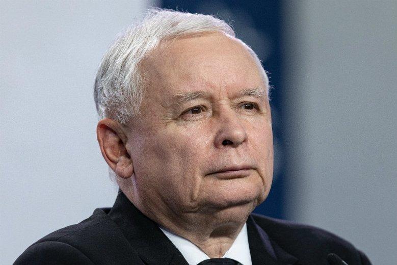 Partia Jarosława Kaczyńskiego z dużą przewagą w przedwyborczych sondażach.