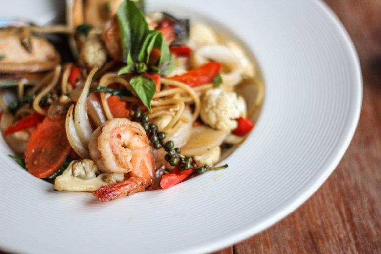 Spaghetti z owocami morza – nie tylko z krewetkami będzie pyszne i zdrowe, ale także z mulami czy  kalmarami.