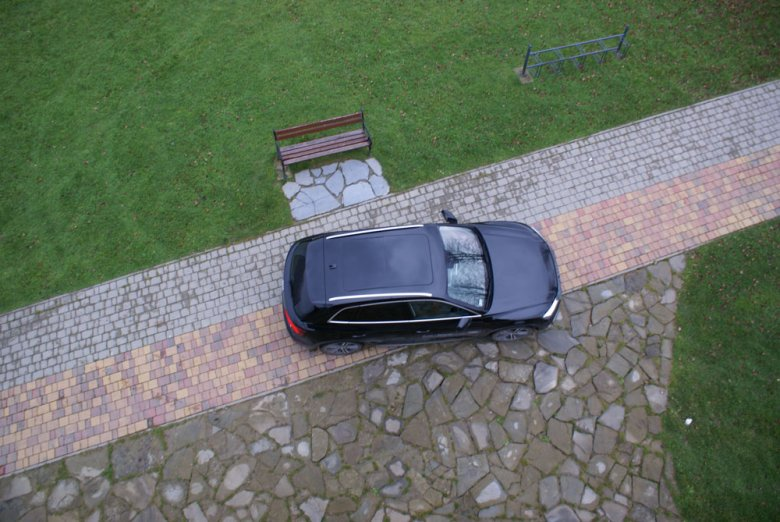 Audi Q5 2.0 TDI Sport 190 KM S-tronic w muszyńskich Ogrodach Zmysłów.