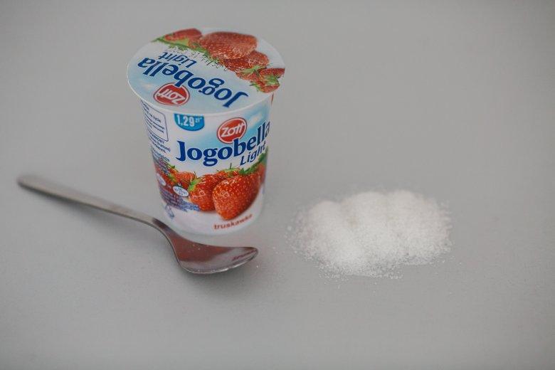 150 g jogurtu Jogobella light = 2,5 łyżeczki cukru