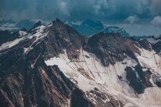 Zbocza góry Elbrus.