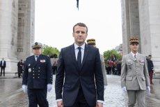Francuski prezydent zyskuje coraz większą władzę w państwie.