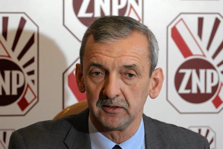 Sławomir Broniarz skrytykował propozycję rządu PiS odnośnie nowelizacji prawa oświatowego.