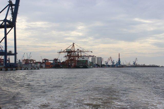 Port w Dżakarcie.
