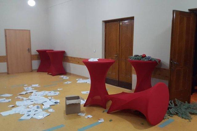 Miejsce spotkania KOD zostało zdemolowane.