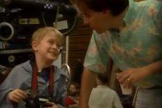 "Macaulay Culkin i reżyser Chris Columbus na planie filmu ""Kevin sam w domu"""