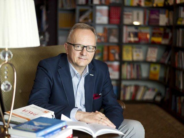 """Jacek Walkiewicz, psycholog, mówca, trener, autor m.in. książki """"Pełna MOC możliwości"""""""