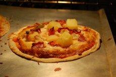 Pizza z ananasem – jedni ją kochają, drudzy nie rozumieją