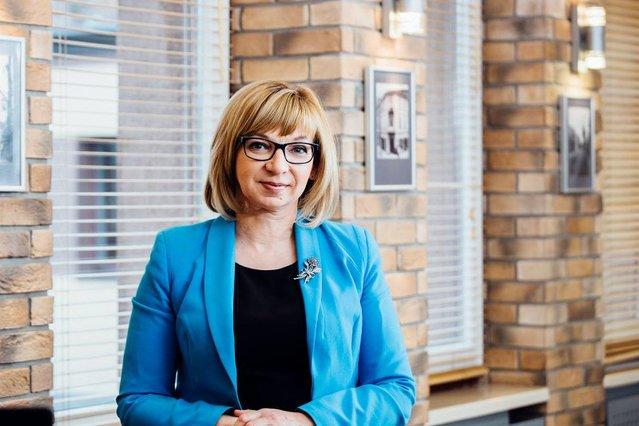 Burmistrz Wołomina Elżbieta Radwan. To jej Robert Biedroń ustąpił miejsca.