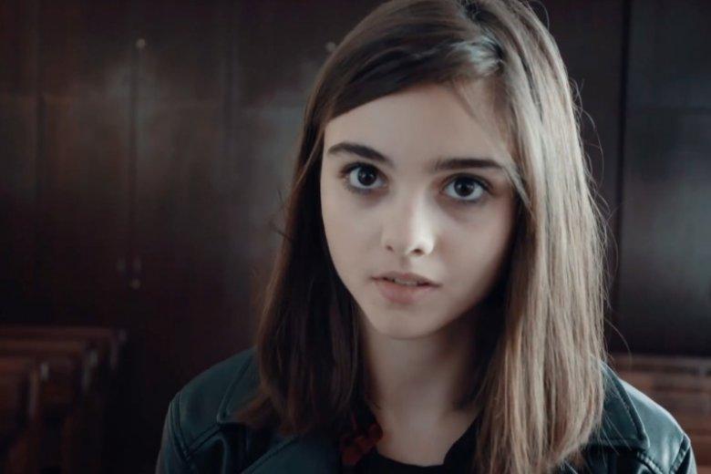 Alicja jest młodszą siostrą popularnej aktorki Julii Wieniawy. Czy talent aktorski jest u nich rodzinny?