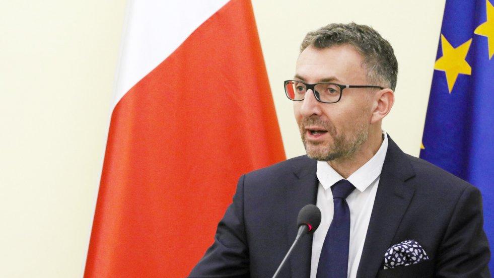 Zdaniem prof. Marka Chmaja, prezydent Andrzej Duda nie sprawdził się w roli strażnika konstytucji. Mają to potwierdzać jego projekty nowych ustaw o Sądzie Najwyższym i KRS.