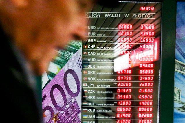 Bankowcy też mają problem z mocnym frankiem. Może się okazać, że ich zyski na kredytach frankowych spadną do zera