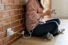 Wykonanie prostego telefonu niektórzy odkładają w nieskończoność