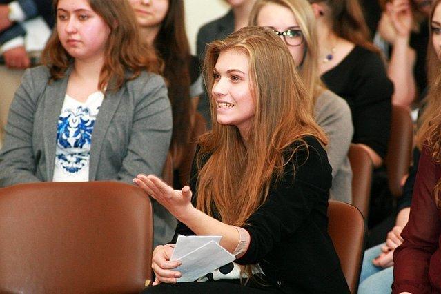 Atak Marysi Sokołowskiej na premiera Donalda Tuska sprzed kilku lat był znakiem zmiany sympatii politycznych wśród najmłodszych Polaków.