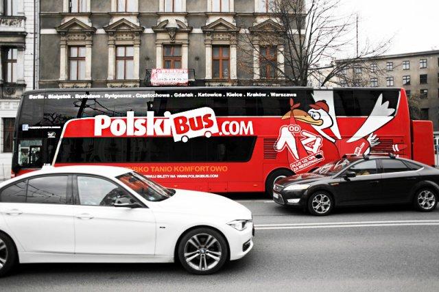 Pasażerka Polskiego Busa zaatakowała kierowcę i próbowała doprowadzić do wypadku.
