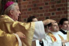 Arcybiskup Paetz koncelebrował mszę świętą mimo zakazu Watykanu. Kilkanaście lat temu został oskarżony o molestowanie księży i kleryków. Zdjęcie archiwalne.
