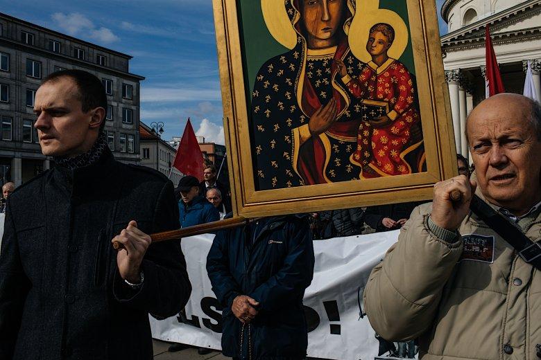 Marsz ruszył z Placu Trzech Krzyży.