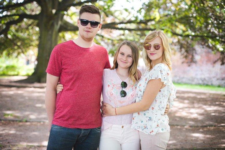 Ola (Dawczyni) z rodzeństwem