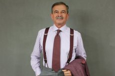 Jan Adamski ma 63 lata i wkrótce wyjdzie na wybieg modeli pokazać swoje stylizacje.