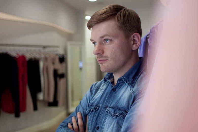 Krzysztof Stróżyna w swoim butiku.