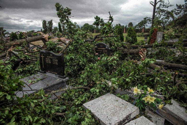 W Suszku i okolicach trwa liczenie strat po burzy.