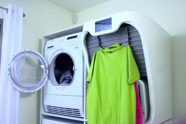 FoldiMate to maszyna, która składa, prasuje i sterylizuje odzież