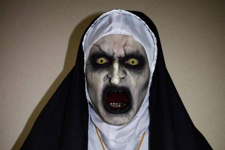 Tego makijażu można się wystraszyć!