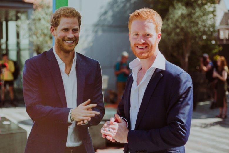 Rhys Whittock to sobowtór księcia Harry'ego. Zarabia na tym, że wygląda jak członek brytyjskiej rodziny królewskiej.
