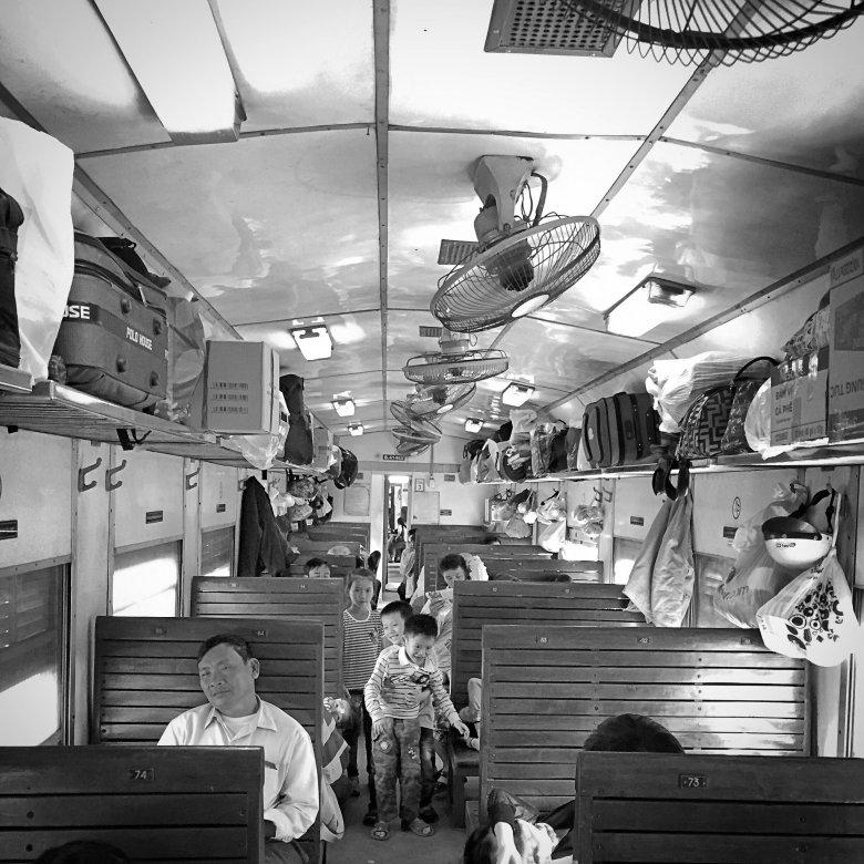 Wagon najniższej klasy w pociągu z Mui Ne do Nha Trang - koszt to ok. 6 dolarów za osobę