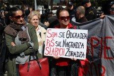 Według sondażu większość Polaków słyszała o proteście niepełnosprawnych i w tym sporze stają po stronie protestujących.