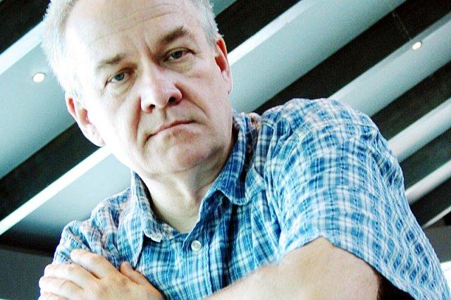 Andrzej Krauze, najpopularniejszy rysownik satyryczny na polskiej prawicy publikując w Wielkiej Brytanii nie wzbudza takich kontrowersji, jak w Polsce.