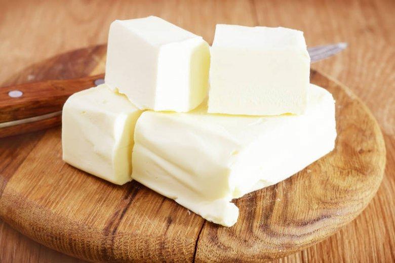 Masło budzi wśród dietetyków kontrowersje. Jeśli używasz go z umiarem, to bogate źródło dobrego tłuszczu