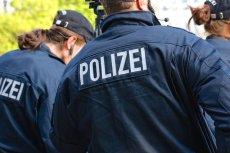 Ewakuacja na bożonarodzeniowym jarmarku w Poczdamie (Niemcy). Policja znalazła paczkę, która może być bombą.