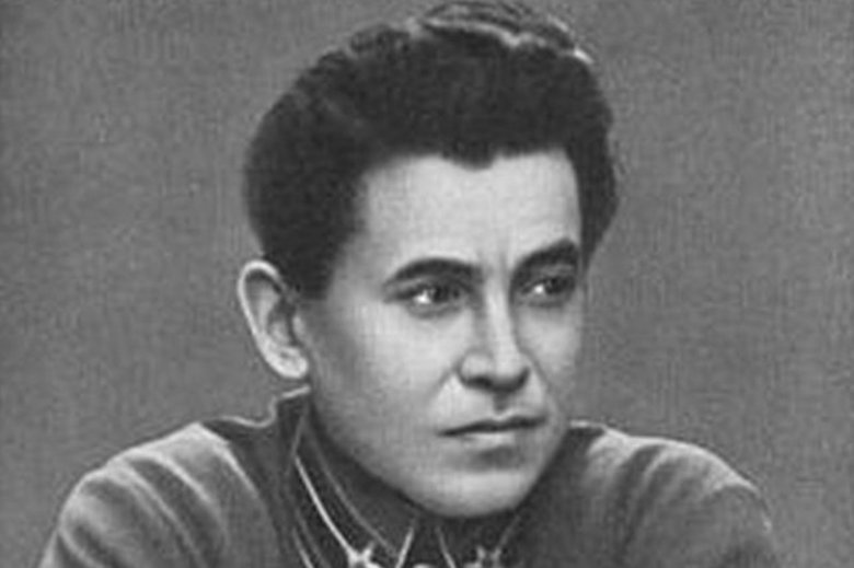 Nikołaj Jeżow - wyrachowany kat o twarzy dziecka. To jego rozkaz zlecał masowe mordy na Polakach w ZSRS.