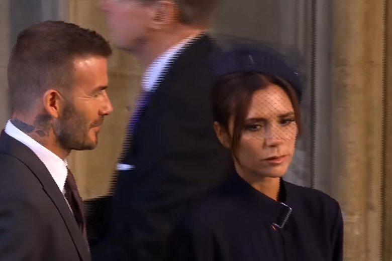 Nie tylko państwo młodzi przykuli uwagę obserwujących. Małżeństwo Beckhamów również.