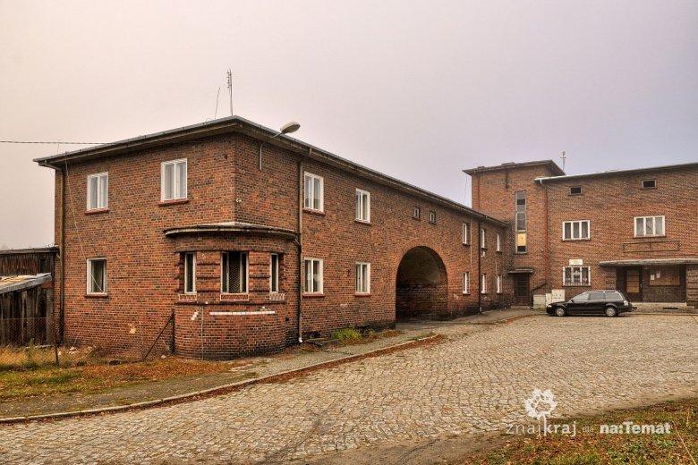 Modernistyczny dworzec w Starych Bielicach