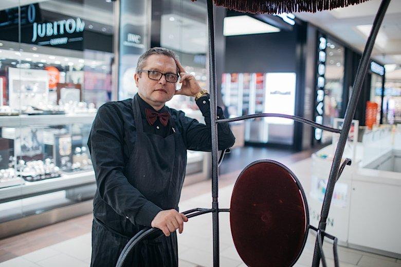 Zanim został pucybutem, Michał Cieślak pracował wiele lat jako elektryk