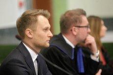 """""""Będziesz kur** wisiał"""" - taką wiadomość dostał poseł Krzysztof Truskolaski (pierwszy z lewej). W tej sprawie właśnie zapadł wyrok."""