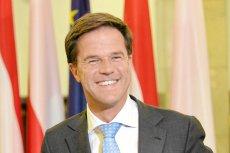 W wyborach parlamentarnych w Holandii wyraźne zwycięstwo odniosła rządząca VVD Marka Ruttego. Populiści z PVV Geerta Wildersa wypadli nieźle, ale nie mają szans na władzę.