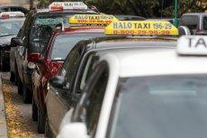Postój taksówek w Lublinie. Zdjęcie jest tylko ilustracją.
