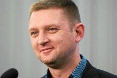 """Andrzej Rozenek w """"Bez autoryzacji"""" mówi: W Polsce wszystko, co dobre po '89 roku, zawdzięczamy wejściu do UE lub NATO"""