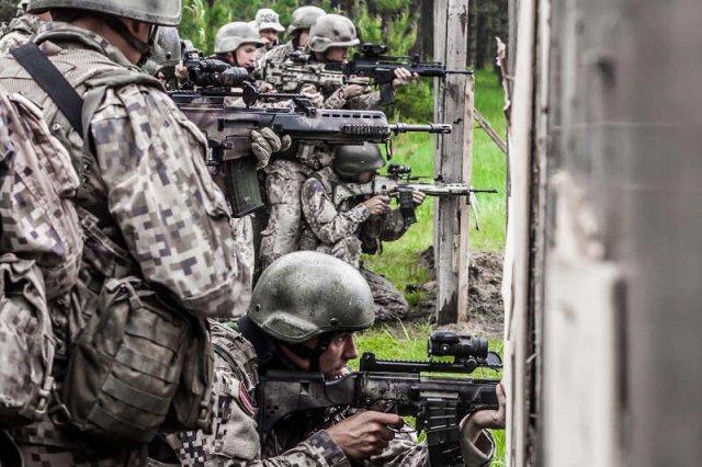 [url=http://shutr.bz/1f9I139]Navy SEALs[/url] zaatakowali terrorystów w Somalii i Libii.