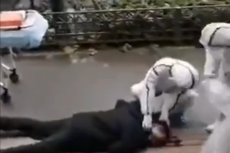 W  sieci pojawiły się filmy pokazujące, jak w Wuhan ludzie mdleją na ulicy.