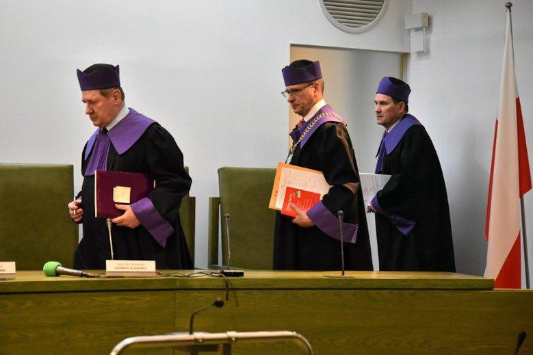 Sąd Najwyższy uniewinnił dziś Mirosława Topyłę. Sędzia był wcześniej skazany za kradzież banknotu 50 zł.