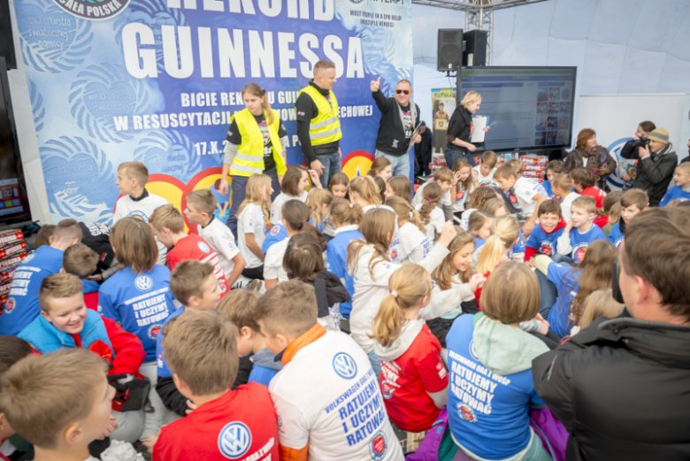 Dzięki zajęciom z pierwszej pomocy niejedno dziecko w Polsce uratowało życie dorosłemu, stając się pokazywanym w mediach małym bohaterem